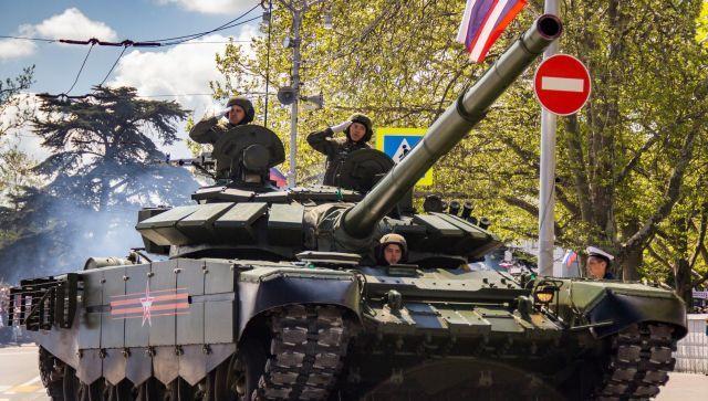 Чей Крым и зачем нам Парад Победы: главные новости недели