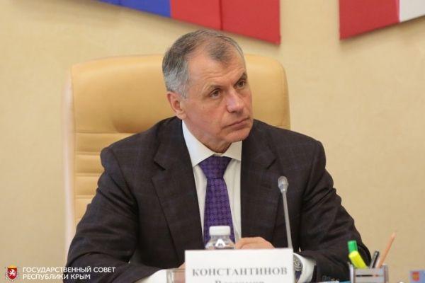 Ко Дню социального работника Президиум крымского парламента присудил премии Государственного Совета