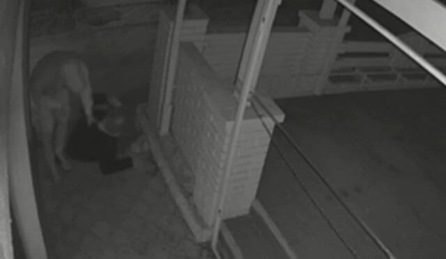 В Симферополе рецидивист избил пьяного пенсионера ради кнопочного телефона