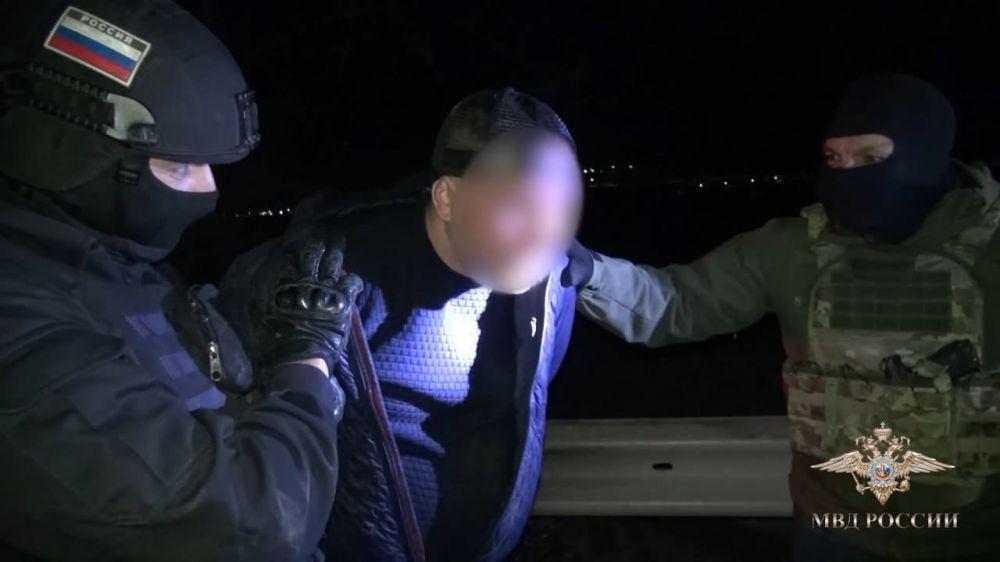 Силовики в Крыму провели спецоперацию по задержанию банды похитителей
