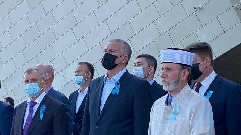 Сегодня, 18 мая, состоялся митинг-реквием у мемориального комплекса, посвященного памяти жертв депортации народов Крыма, на железнодорожной станции «Сирень»