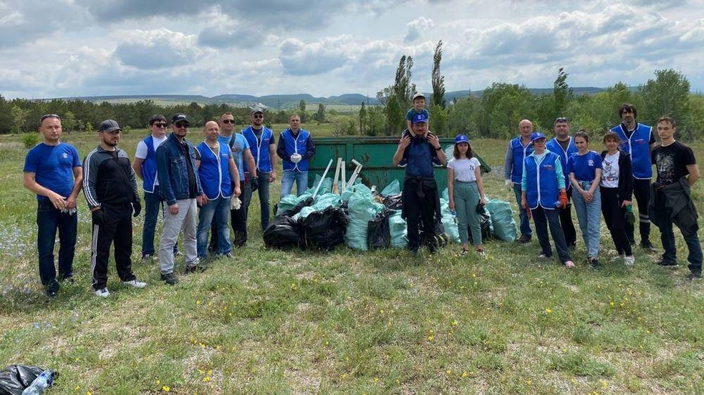 В рамках экологической акции «Чистый Крым» в Бахчисарае прошёл субботник