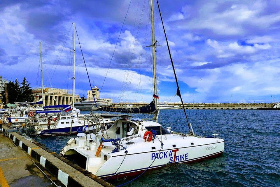 Белым по черному: Что мешает яхтенному туризму поднять паруса в Крыму