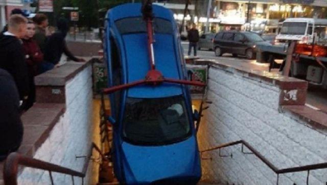 В Симферополе автомобиль улетел в пешеходный переход