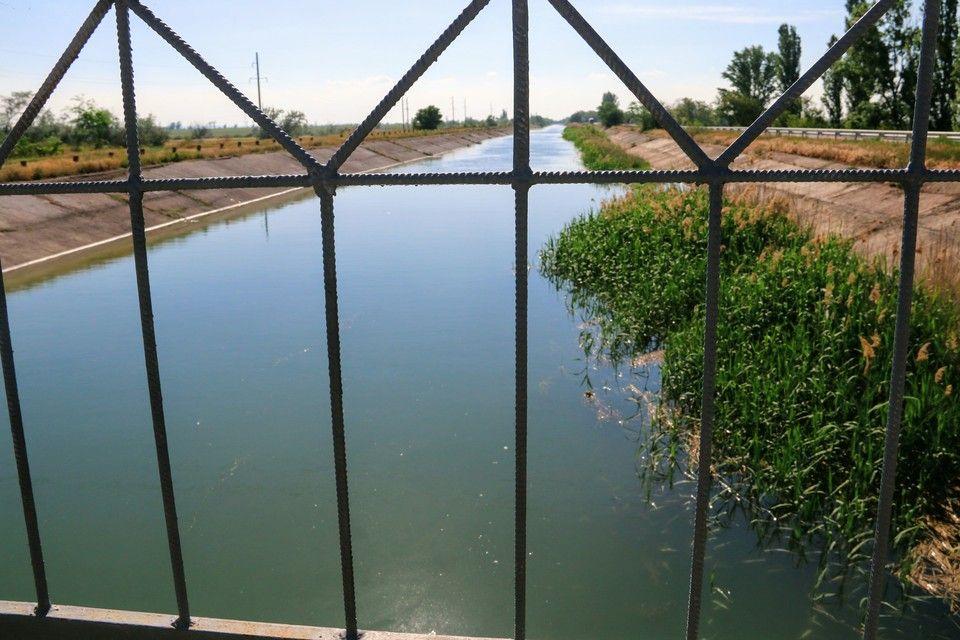 По руслу Северо-Крымского канала пошла вода