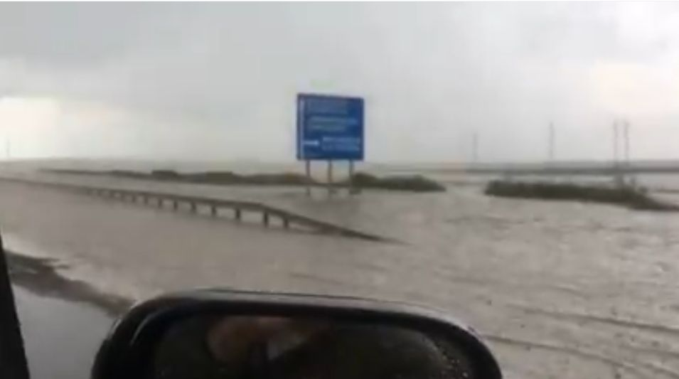 Ливень затопил трассу «Таврида» в районе Керчи