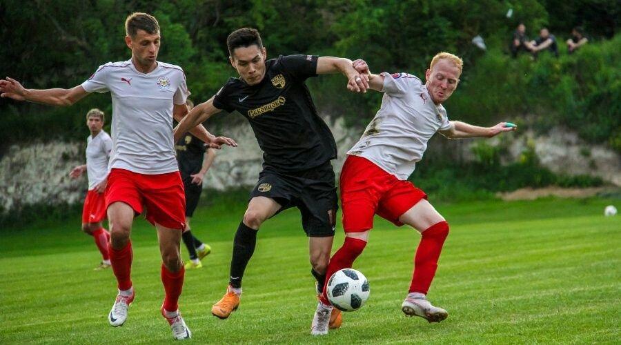 Финальный тур Премьер-лиги КФС определит серебряного и бронзового финалистов