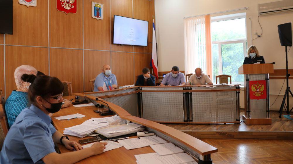 В Феодосии состоялось очередное заседание Административной комиссии
