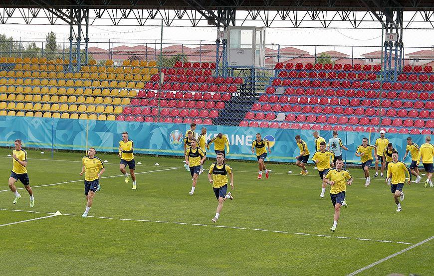 В сборной Украины предполагают переделать форму для Евро по требованию УЕФА
