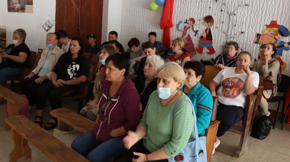 Глава администрации района Людмила Пучкова провела встречу с жителями Верхореченского поселения