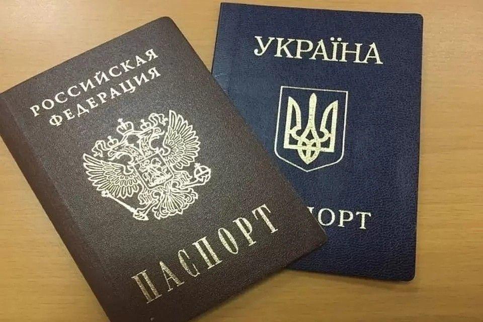 Путин подписал закон, разрешающий крымчанам с украинскими паспортами занимать госдолжности