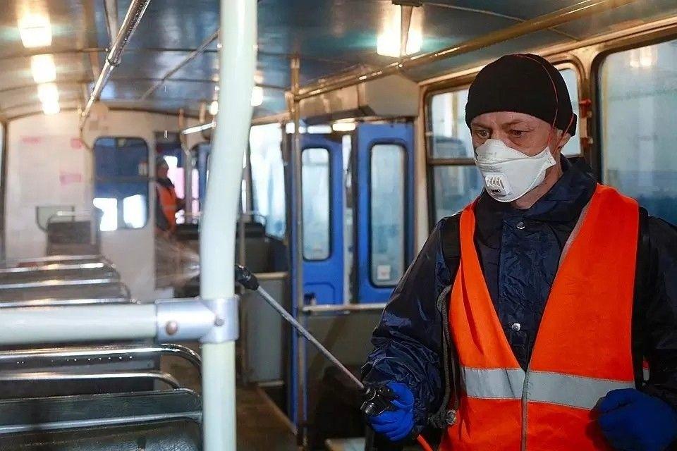 В Симферополе усилили контроль ковидных мер на рынках и в транспорте