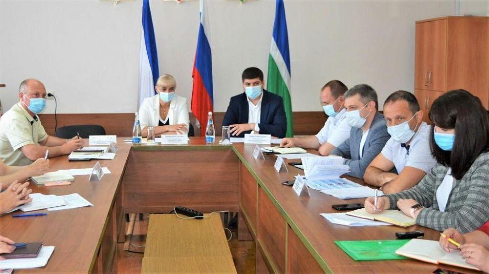 Представители министерства экономического развития Республики Крым посетили администрации муниципальных образований полуострова