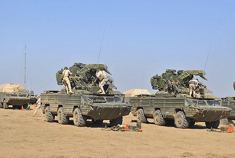 На ЧФ зенитно-ракетный полк «отбивается» от «налетов» морской авиации