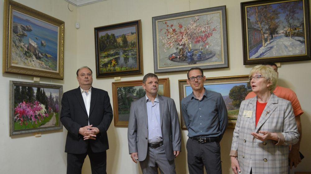 Выставка живописи и графики крымских художников представлена в Алуште при поддержке Минкульта Крыма