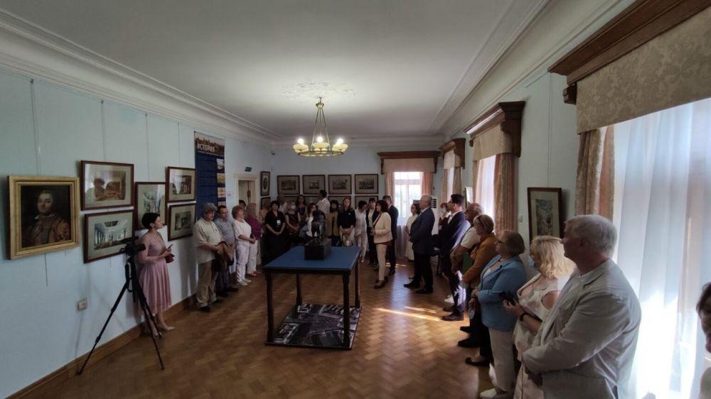 Уникальные коллекции ведущих музеев России экспонируются в Массандровском дворце