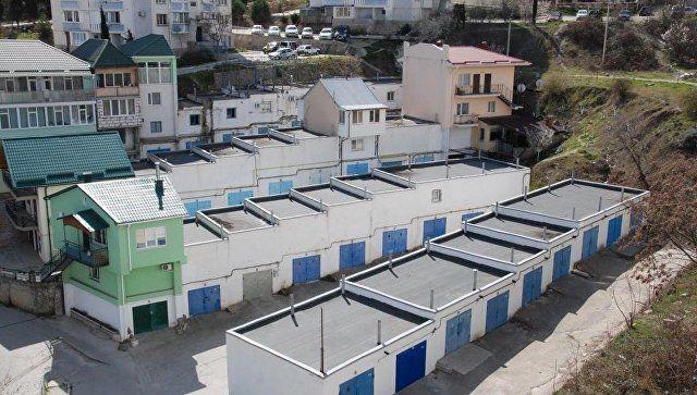 В Крыму в гаражном кооперативе открыли ритуальный магазин и СТО