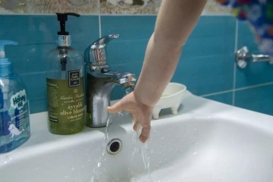 В селе под Симферополем отключили воду на 8 часов