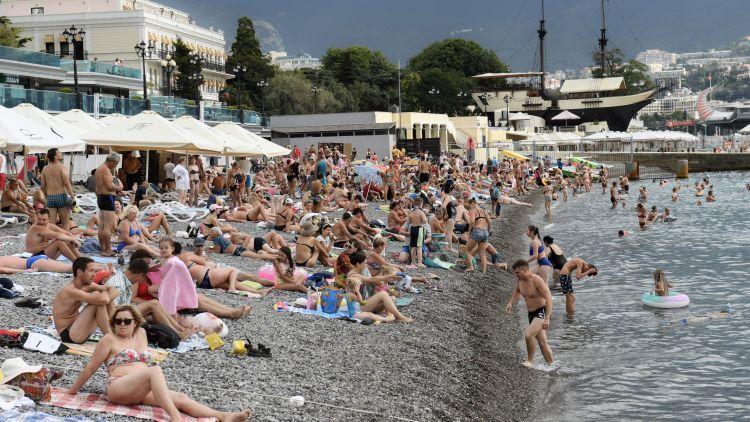 """Почему Черноморское побережье """"перегрелось"""" от количества туристов"""