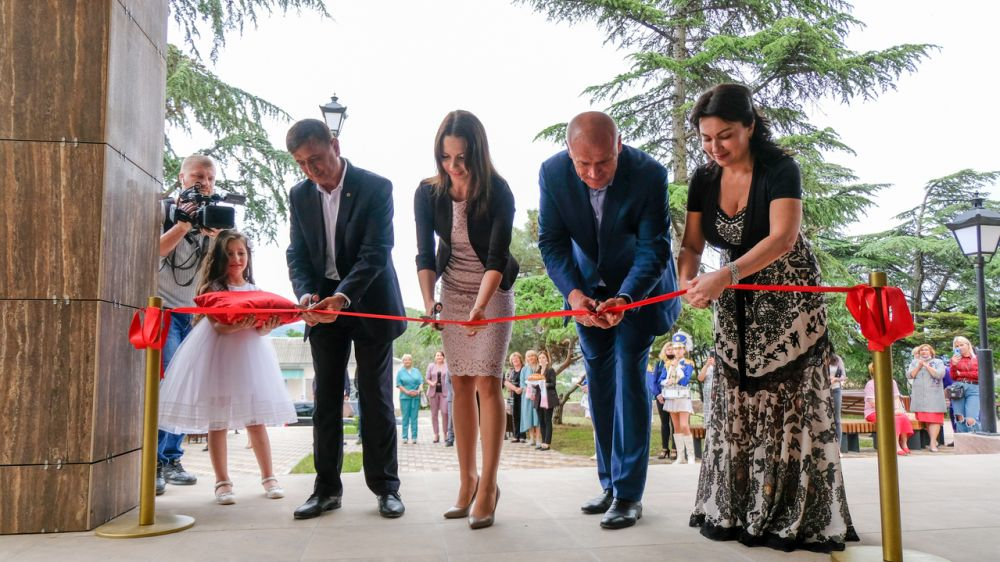 Глава Минкульта Крыма открыла после капитального ремонта Судакский городской Дом культуры