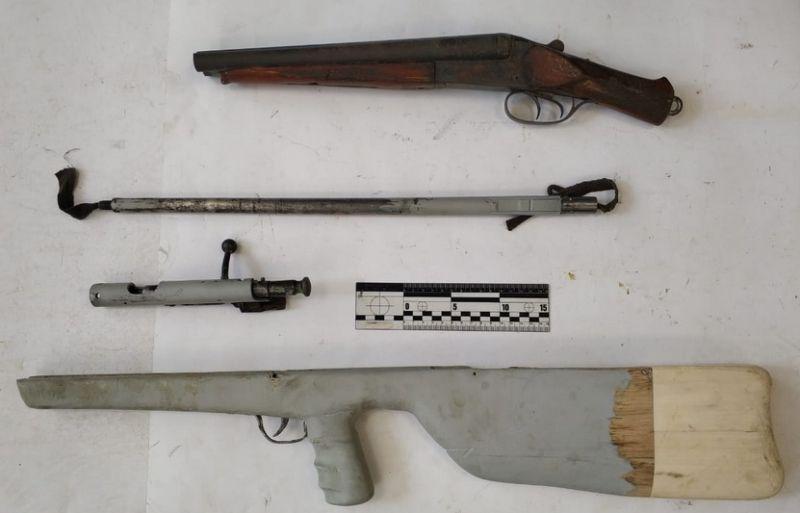 В Алуште полицейские установили местного жителя, подозреваемого в хранении и изготовления оружия