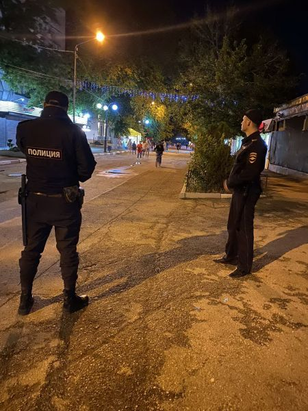 Сотрудники полиции в Феодосии провели комплексное оперативно-профилактическое мероприятие, направленное на обеспечение правопорядка в городе