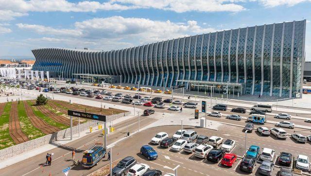 Такого еще не было: аэропорт Симферополь открыл международную зону