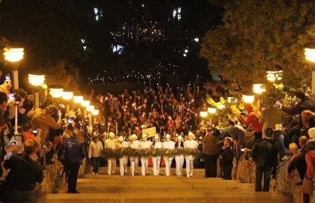 В Крыму разрешено провести факельное шествие и открытие Митридатских лестниц