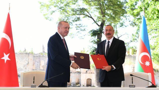 Эрдоган и Алиев подписали декларацию о союзничестве