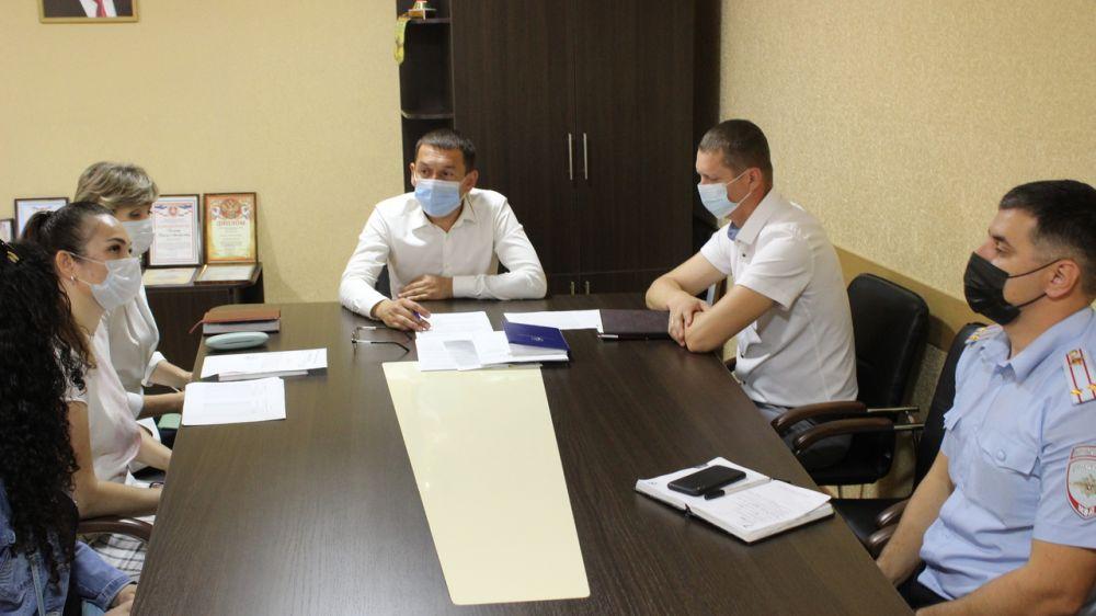 Рустем Халитов провел заседание комиссии по распределению путевок детям Сакского района