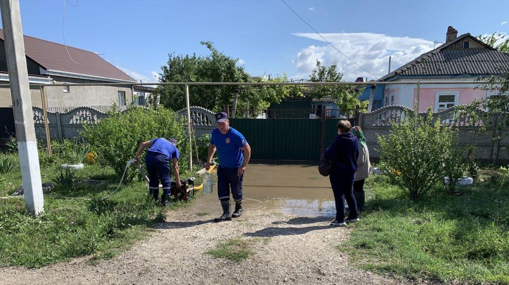 Огнеборцы ГКУ РК «Пожарная охрана Республики Крым» ликвидировали последствия подтоплений
