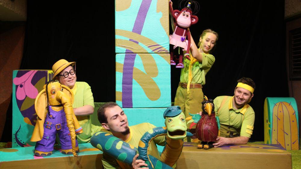 Крымский академический театр кукол представит в Ялте постановку «38 попугаев»