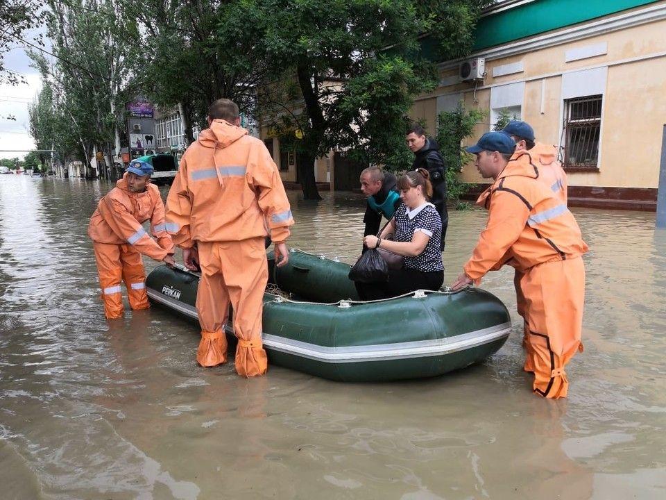 Керчане, пострадавшие от потопа, получат материальную помощь