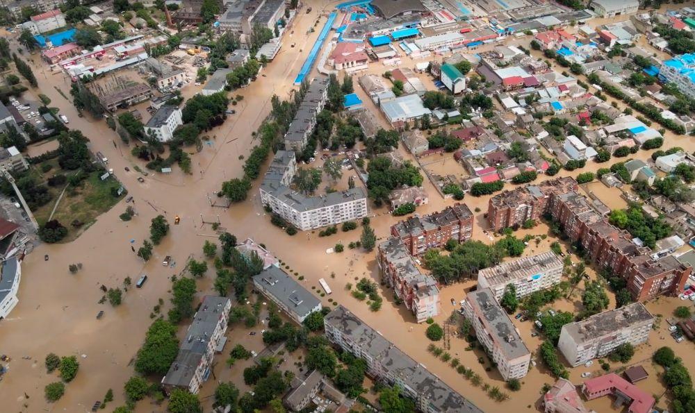 Потоп в Керчи. Последствия с высоты птичьего полета. Ночной дождь затопил город Керчь