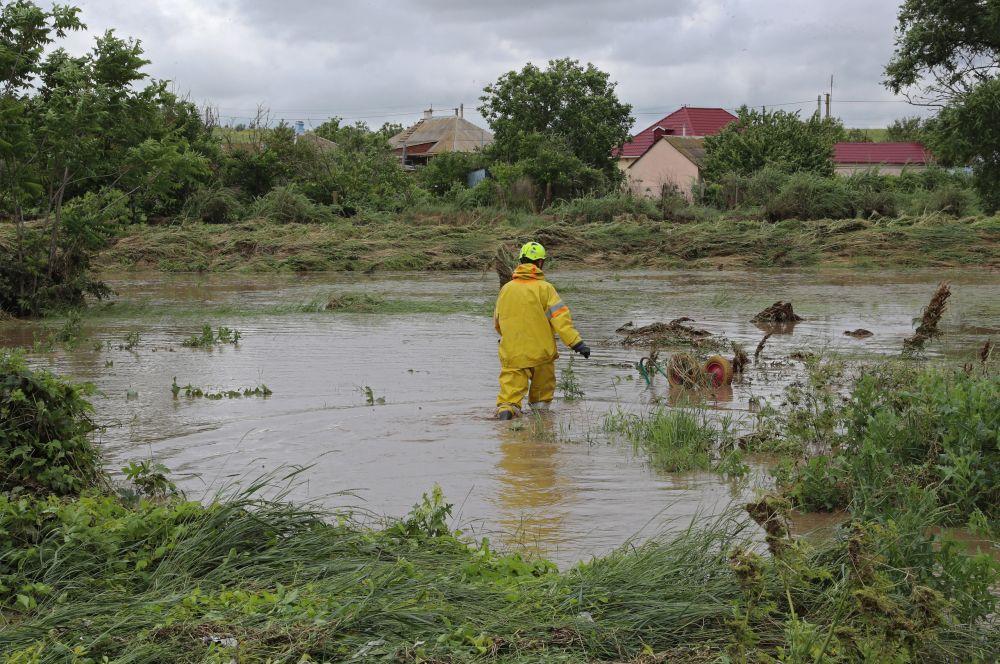Вода ушла из двух подтопленных населённых пунктов Крыма
