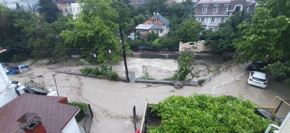 Ялтинец погиб во время наводнения