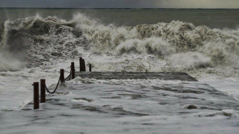 Гидрометцентр предупреждает о новых ливнях в Крыму
