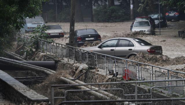Сколько автомобилей утонули в Крыму - данные спасателей