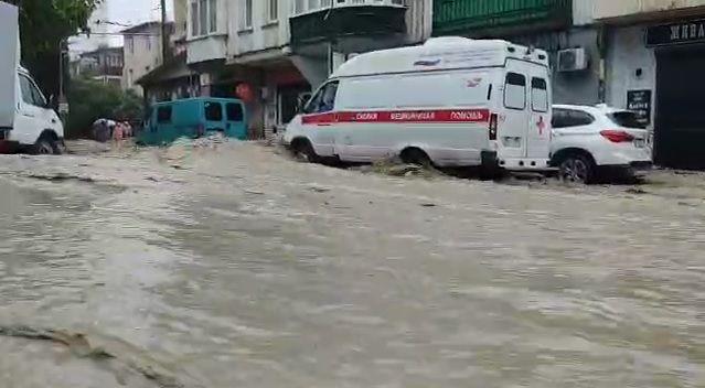 В Ялте нашли живым без вести пропавшего жителя после потопа