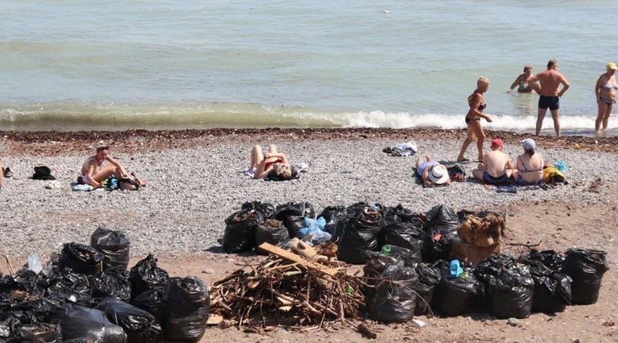 Межведомственная группа приступила к обследованию пляжей в Большой Ялте