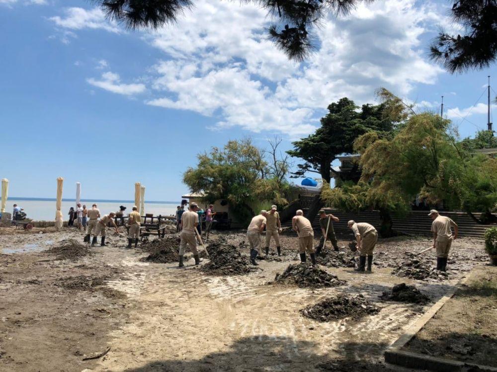 Водопровод в Ялте забит песком на 90%