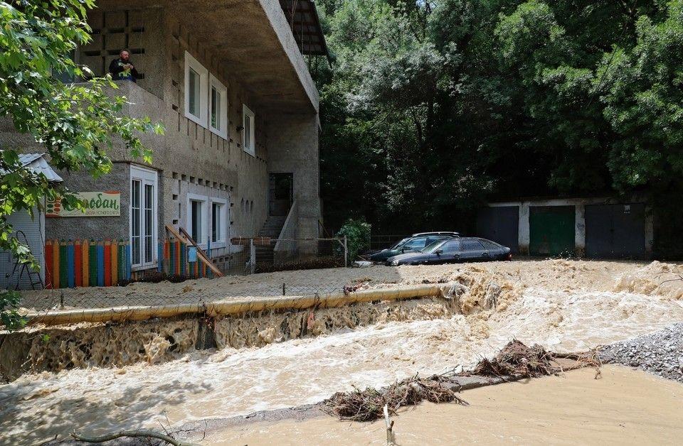 В Ялте 21 июня с 14.00 начинают принимать заявки пострадавших в результате затопления