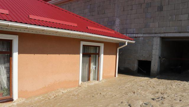 Медлить нельзя: в одном из районов Ялты снова прибывает вода
