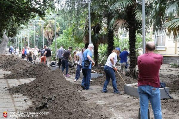 Владимир Константинов: Восстанавливать Ялту после наводнения приедут добровольцы из всех уголков Крыма
