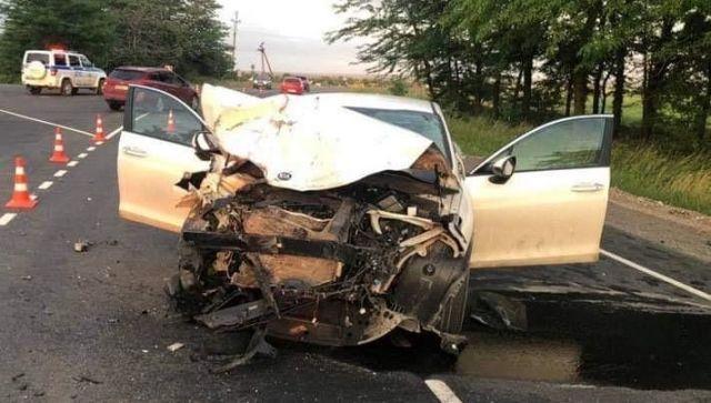 Смертельное ДТП на западе Крыма: водитель погиб, еще двое в больнице