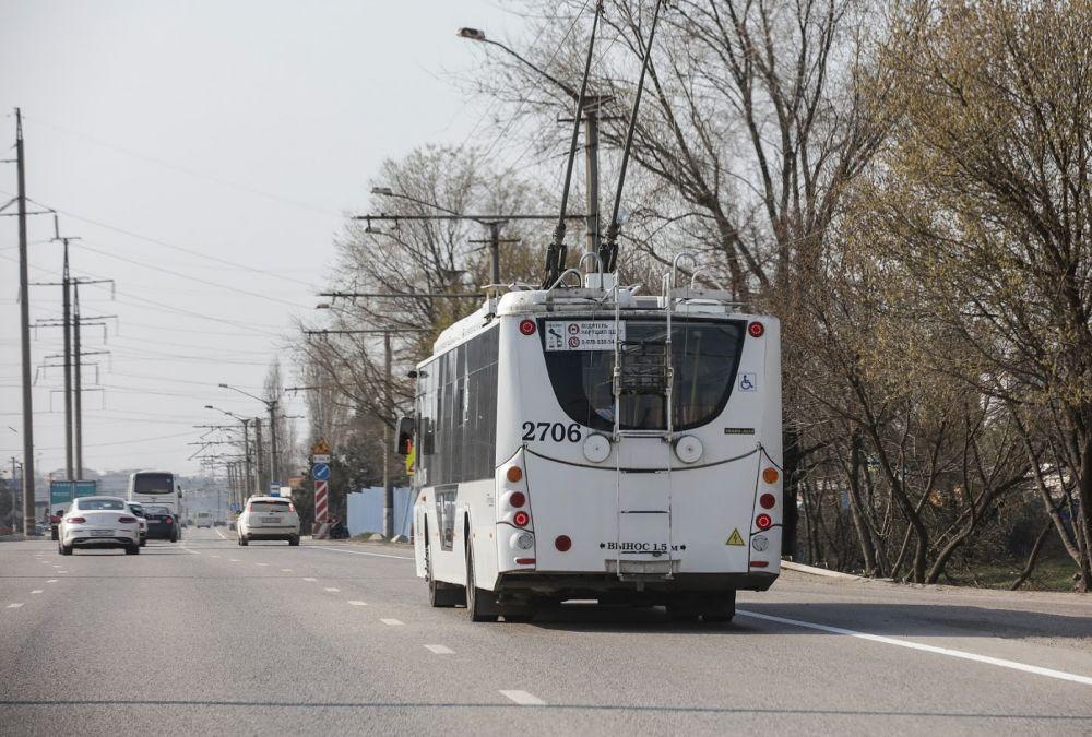 Власти Ялты запустят троллейбусы в городе после осмотра мостов