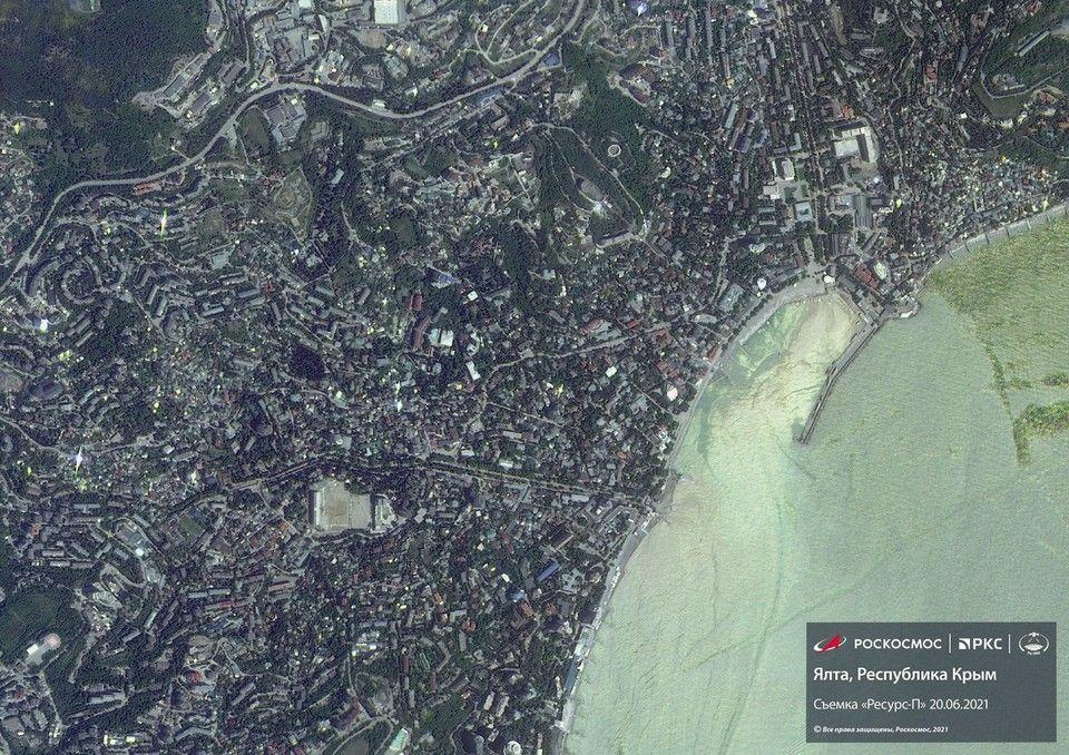 Затопленный ливнями Крым показали из космоса