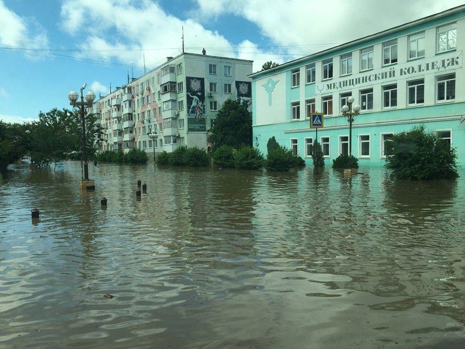 Парень, которого объявили в розыск в Ялте, спасал других от потопа