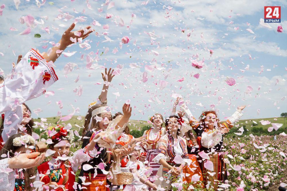 Болгарский «эфиромасличный» фестиваль «Розафест» стартовал в Крыму
