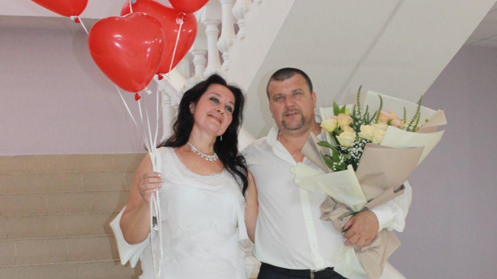 Еще в четырех крымских населенных пунктах прошли чествования юбиляров супружеской жизни